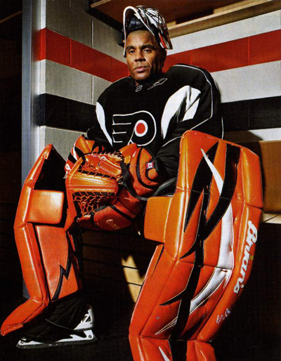 ray-emery-flyers-goalie