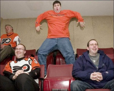 flyers_dancing_fat_guy