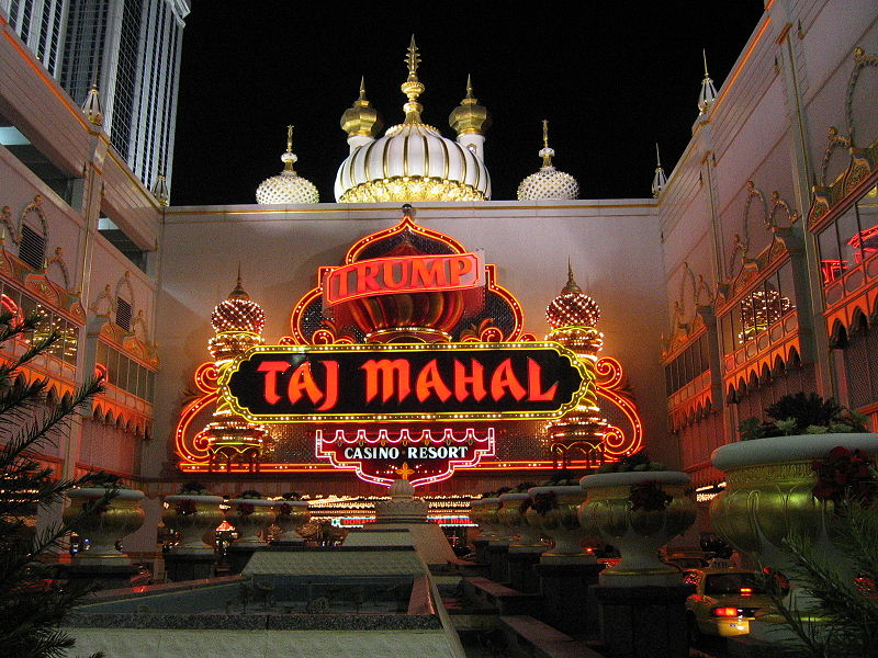 800px-Taj_Mahal_Atlantic_City_New_Jersey
