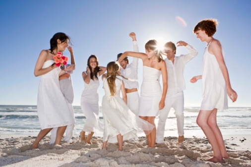 New Honeymoon Trend: Taking Along Your Friends And Family For A 'Buddymoon'