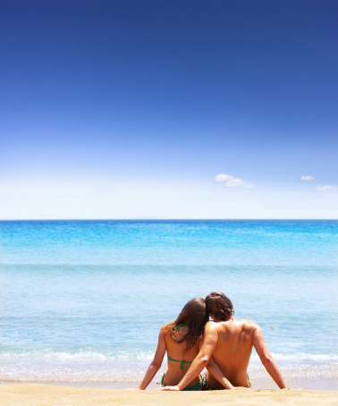 Here Are 6 Ways To Not Go Broke On Your Honeymoon