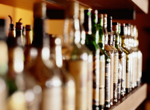 ASK THE EXPERT: How Do We Decide How Much Alcohol to Purchase for Our Wedding?