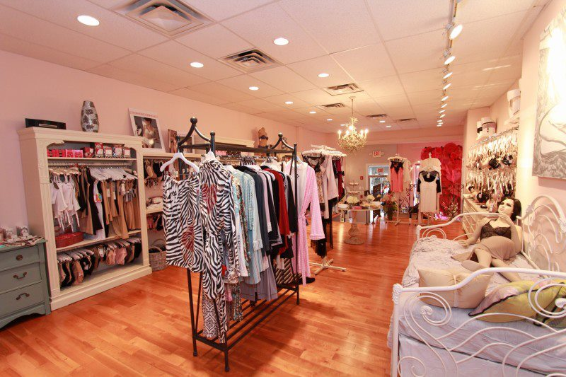 Hope Chest Center City Hosts Lingerie-Shopping Party For the Guys