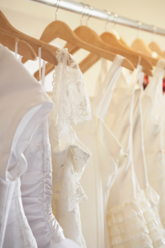 Here Are Some Helpful Dos and Don'ts For Wedding-Dress Shopping
