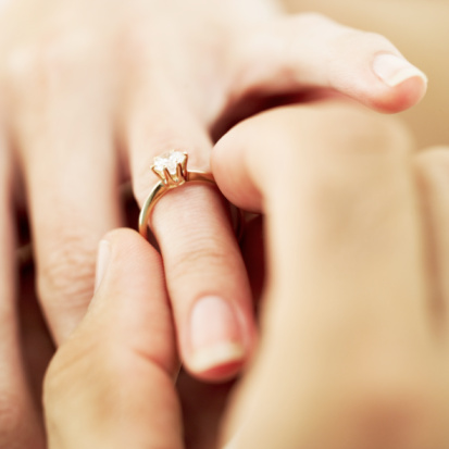 New App Teaches Guys How to Propose