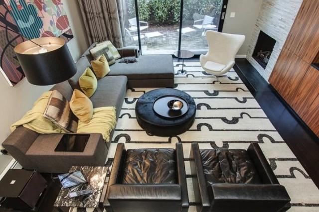 The living room of 1932 Panama Street