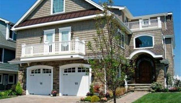 117 Anchor Road is one of the many lovely homes available in Ocean City.