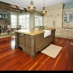 A beautiful kitchen at 5811 Ridgeview Drive in Buckingham.