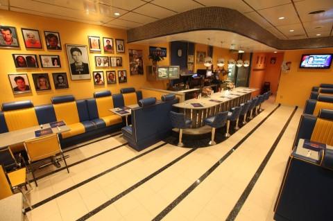 mugshot-diner-interior