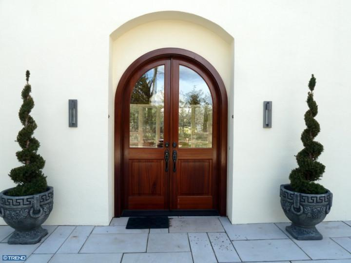 Cool front doors that make a good first impression for Cool front doors