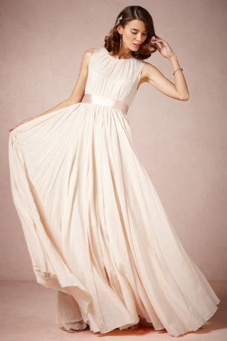 PHOTOS: 19 Gorgeous Blush Wedding Dresses