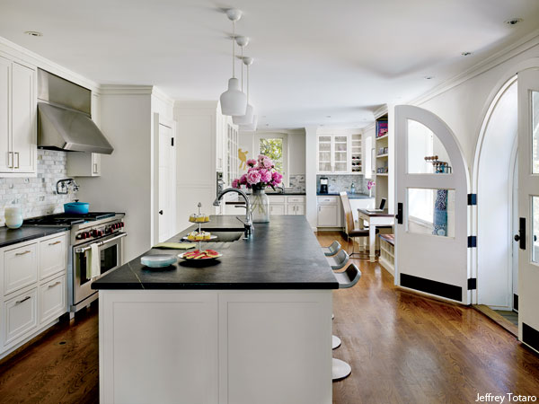 Photograph by Jeffrey Totaro for Philadelphia magazine. A Mona Ross Berman designed home in Chestnut Hill, Pennsylvania. Kitchen.
