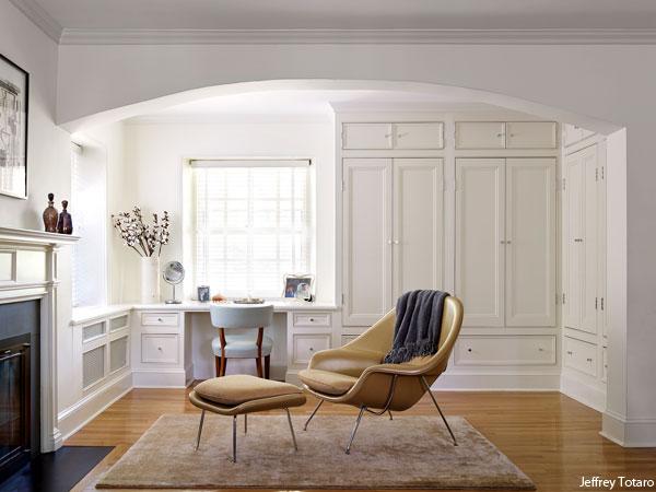 Photograph by Jeffrey Totaro for Philadelphia magazine. A Mona Ross Berman designed home in Chestnut Hill, Pennsylvania. Master bedroom.
