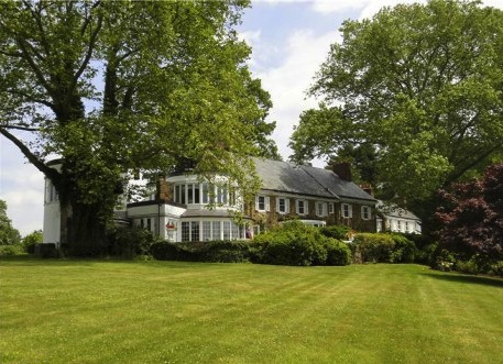 Estate at 912 N. Providence Road in Newtown Square