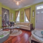 553 N Lawrence Street living room