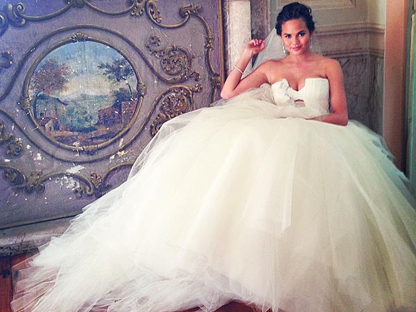 Chrissy Teigen Vera Wang wedding gown
