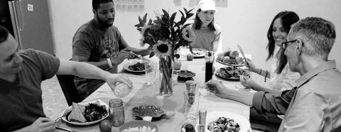 farm_table_lunch