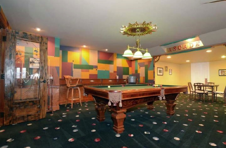 property-iverson-billiard-room