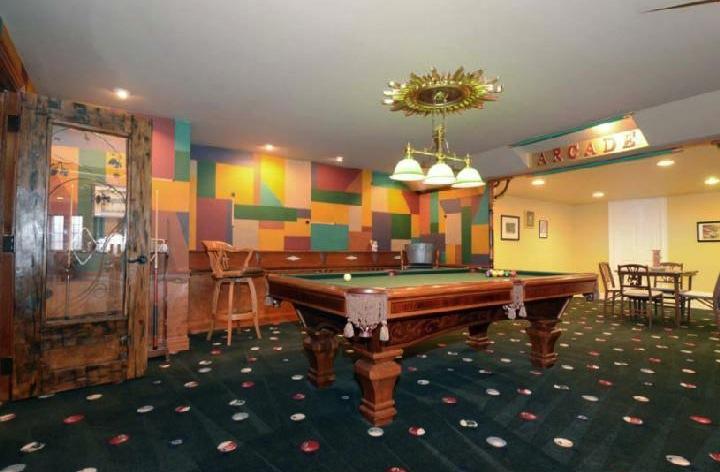 property-iverson-billiard-room