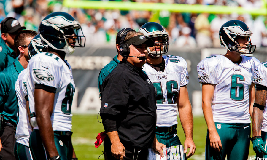 Chip Kelly sideline watching