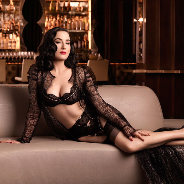 Dita_Couch_600x600
