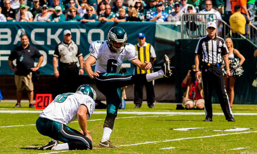 Eagles Kicker Alex Henery kicking field goal