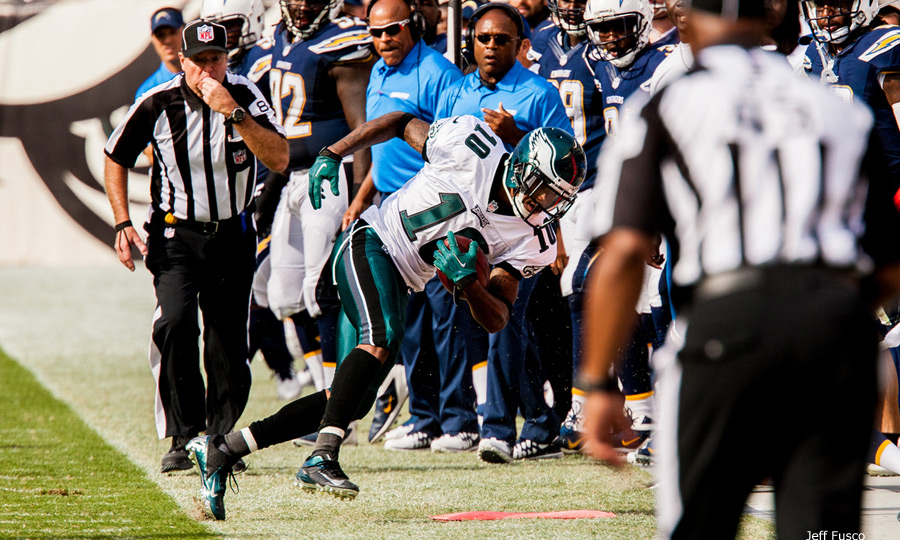 Eagles WR DeSean Jackson falls out of bounds