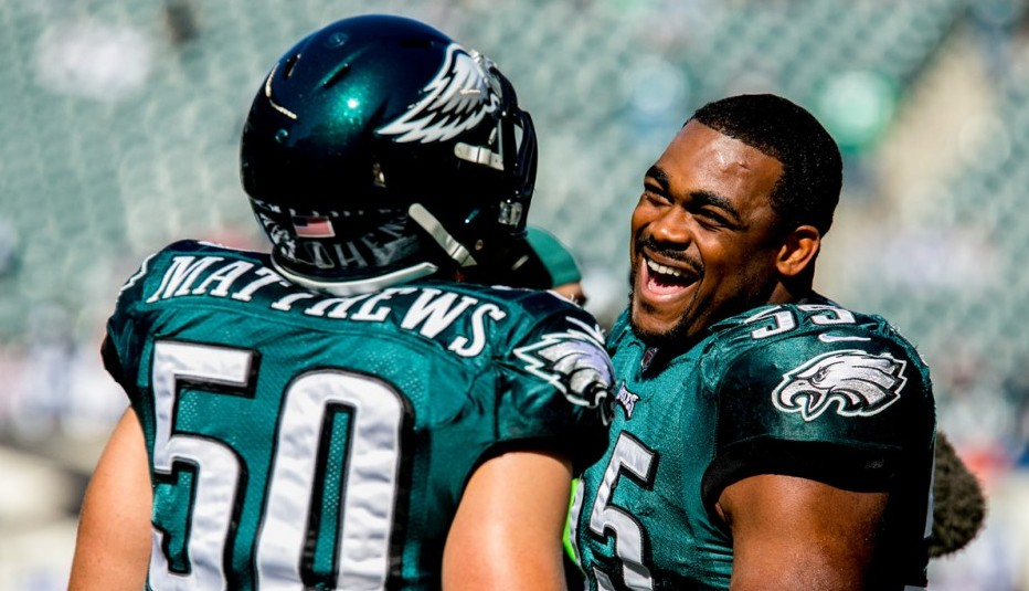 Eagles LBs Casey Matthews and Brandon Graham laughing