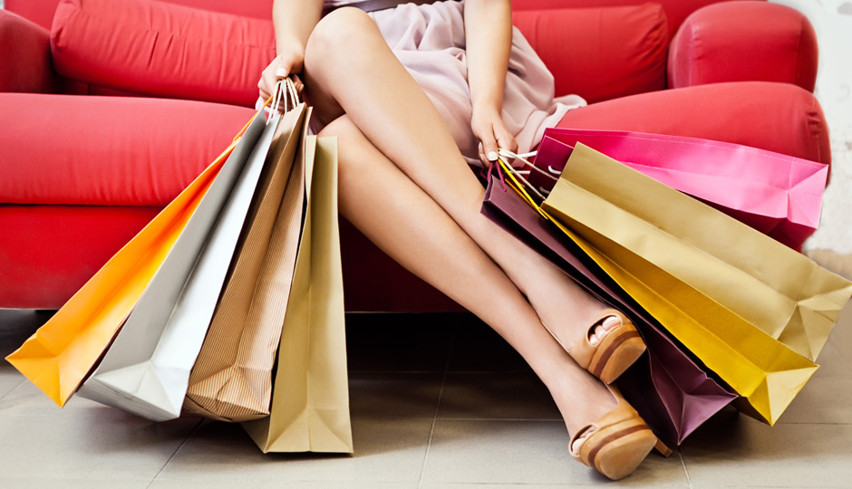 S-Lady-with-shopping-bags