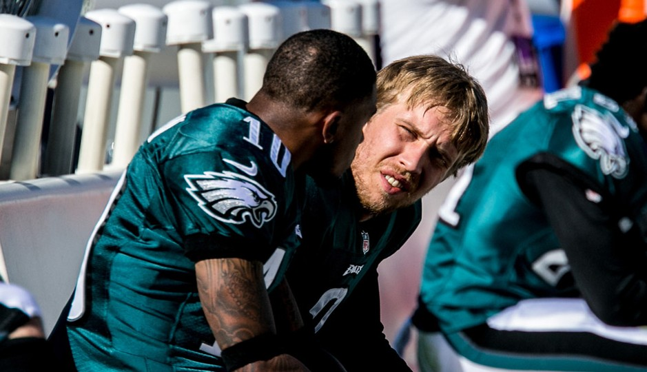 Eagles QB Nick Foles talks to WR Desean Jackson during the Eagles-Cowboys game. 10/20/13