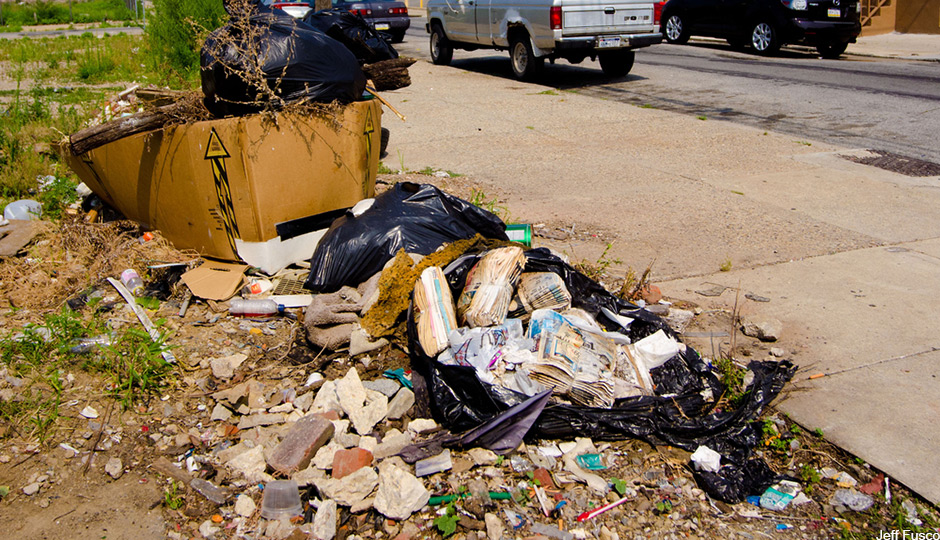 Trash-on-streets-of-phila