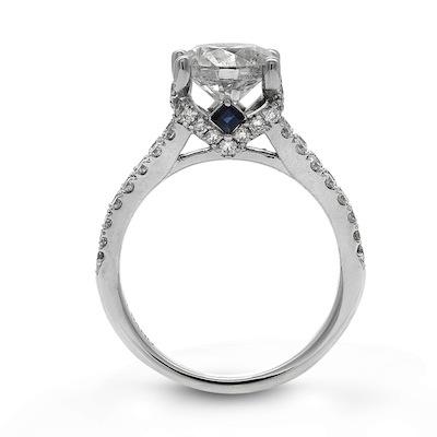 PHOTOS Vera Wang LOVE Unveils New Diamond Engagement Ring