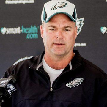 Eagles Defensive Coordinator Bill Davis Speaks to Press