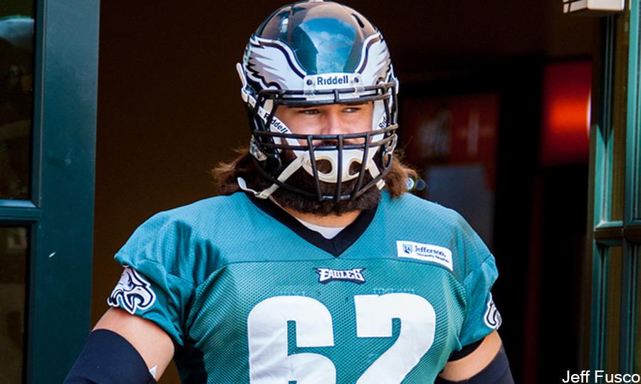 Eagles Center Jason Kelce enters practice