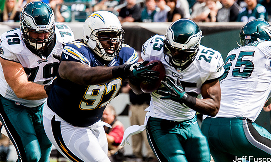 LeSean McCoy run defender trying to cause fumble against Chargers