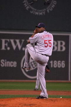 RoFausto CarNandez, 30-33, pitching in 2008/Wikipedia