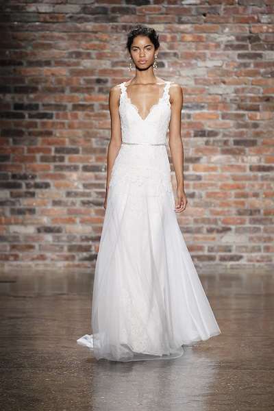 Style 9405 by Alvina Valenta. Photo courtesy of the designer.