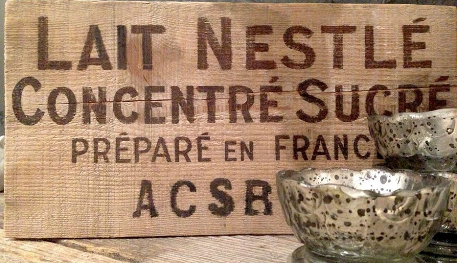 french-nestle-sign