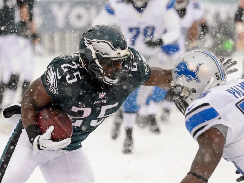 Lesean Mccoy Snow Wallpaper Eagles running back LeSean