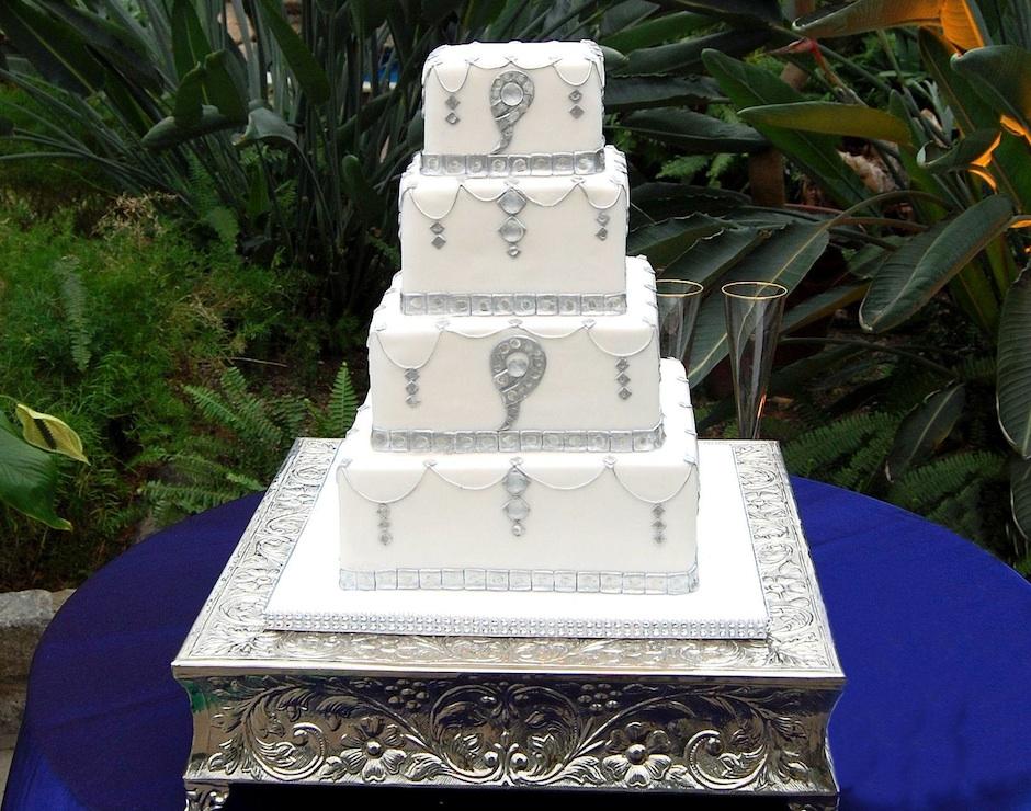 The Cake Art Studio cake inspired by our Philadelphia Wedding story.