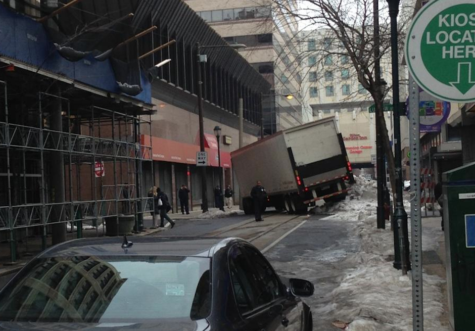 photo-cvs-truck-stuck-philadelphia-2