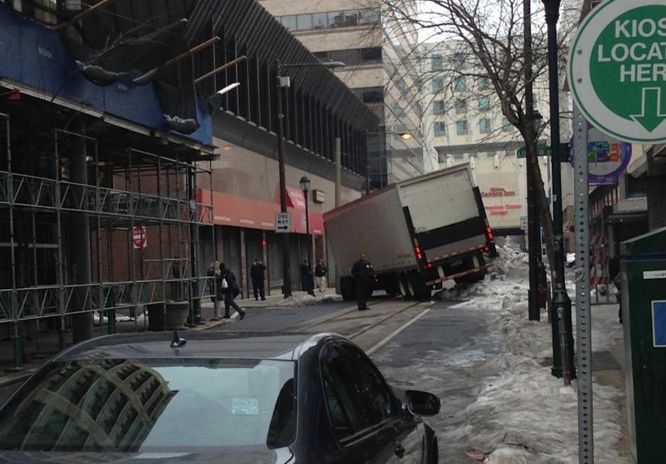 photo-cvs-truck-stuck-philadelphia-2