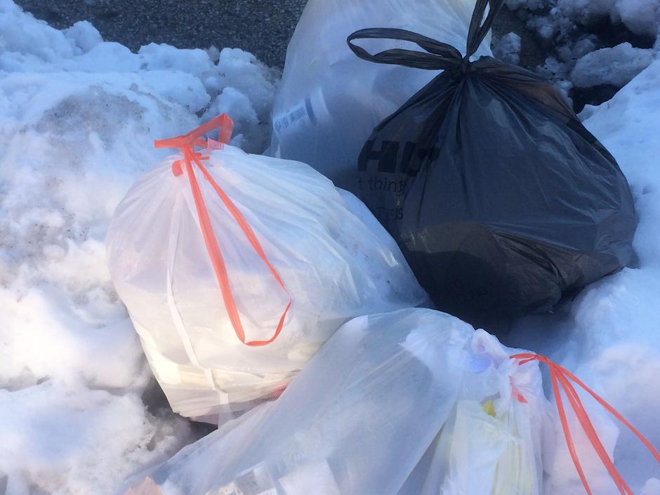 trash-snow-philadelphia