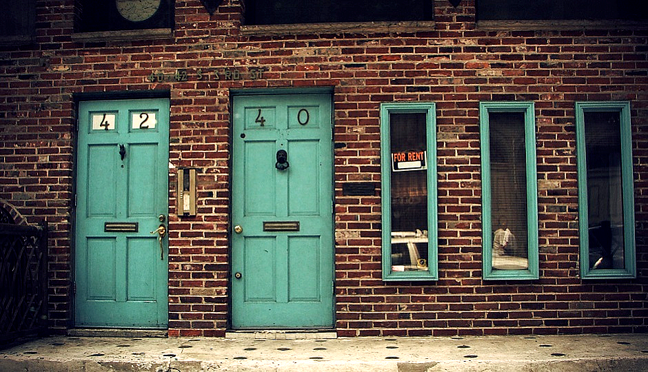 """Old City unit with """"For rent"""" sign by Miss Anthropology via Flickr."""