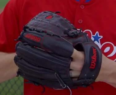 papelbon-glove