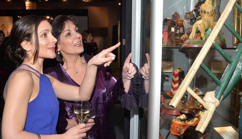 Philadelphia-Antiques-Show-04-3872-Julia-Solmssen-Mary-Bassett-940x540