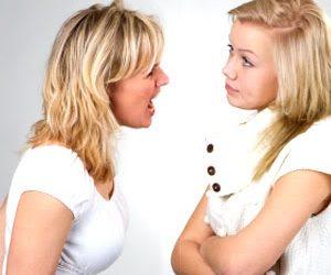 two women arguing