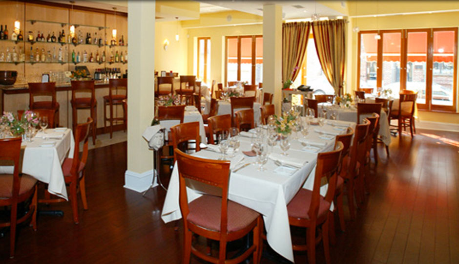 paradiso-dining-room-940