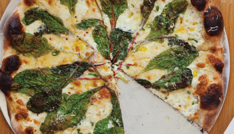 pizzeria-beddia-pizza-courtney-apple-940