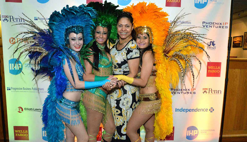 International-House-Global-Gala-Colors-of-Brazil-01-3036-Fatima-Peters-Chima--Samba-girls-Rayssa-Edina-Sonia-940x540